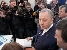 Чиновники и глава фонда реформирования ЖКХ посетили выставку на Театральной площади