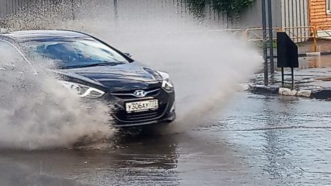 В Саратове неожиданно начался дождь