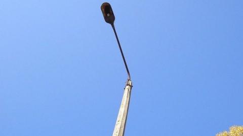 В Саратове украли столб с фонарем и камерой наблюдения