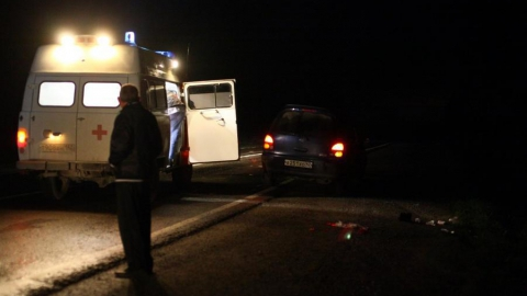 Молодой водитель и девочка-подросток разбились на ночной трассе