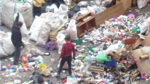 Регоператор выявил цех нелегальной сортировки отходов в центре Саратова