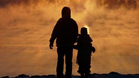 Родитель, выплачивающий алименты, будет обязан предоставить ребенку жилье