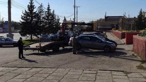 В Балакове массово эвакуируют автомобили