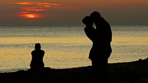 Саратовчанка призналась в распространении ню-фотографий с любовницей ее мужа