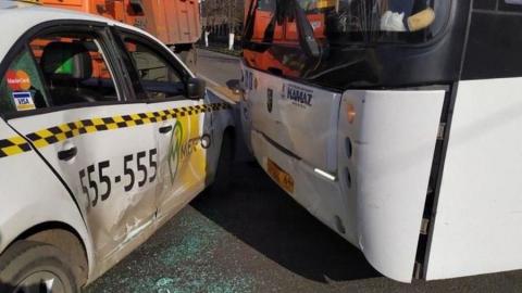 Женщина ранена в ДТП с автобусом у саратовского вокзала