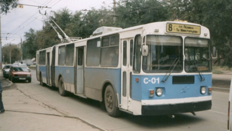 Троллейбус «тройка» встал в центре Саратова