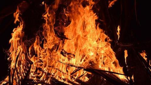 Сегодня на рассвете горела баня под Новоузенском