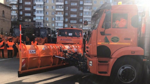 Саратов получил партию новой коммунальной техники