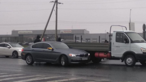 На Усть-Курдюмской образовалась пробка из-за ДТП