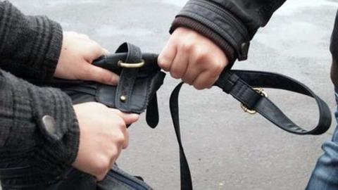 Рецидивист и убийца избил парня за мобильный в Солнечном