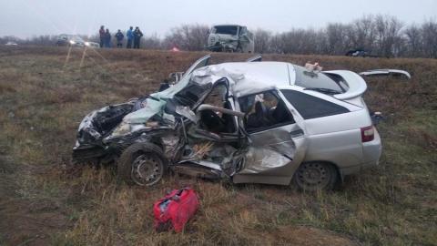 Два человека погибли в ДТП на трассе в Саратовской области. Фото 18+