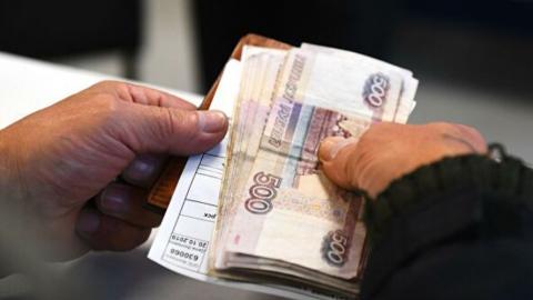 Дмитрий Медведев рассказал о получающих пособие в 11 тысяч безработных