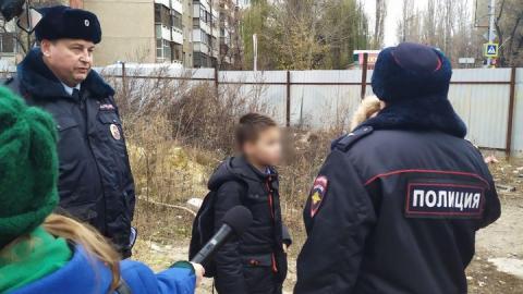 На заброшенной стройке в Саратове нашли двух школьников
