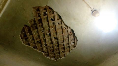 В Заводском районе на пенсионерку упал потолок