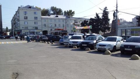 Валерий Радаев поручил организовать парковку у вокзала «как надо»