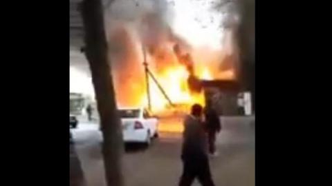 Сгорело кафе «Старый Баку». Видео