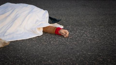 На трассе рядом с Саратовом женщина погибла под колесами авто
