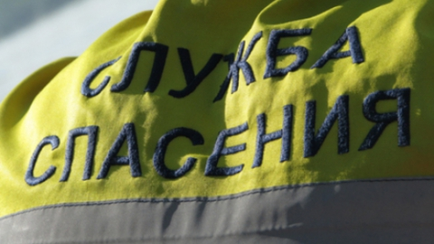 Саратовские спасатели вытащили сторожа из слухового окна