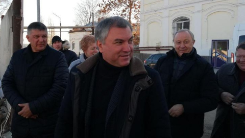 Вячеслав Володин в Вольске осмотрел строящийся дом для молодых врачей