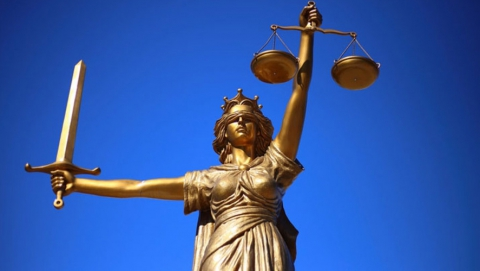 Любителя хамить судьям и полицейским оштрафовали на семь тысяч