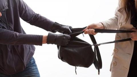 Злостного рецидивиста подозревают в грабеже