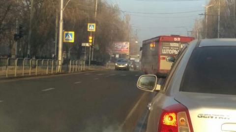 Столкновение трех машин парализовало движение в Ленинском районе