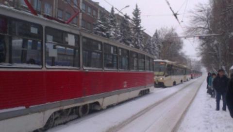 Контролер в мороз высадил ребенка из трамвая