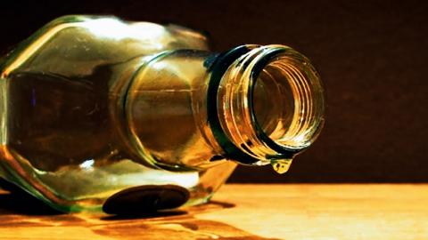 Балашовец избил до смерти забравшего калымную бутылку товарища