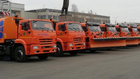 Федеральные трассы в Саратовской области будут убирать более 380 машин