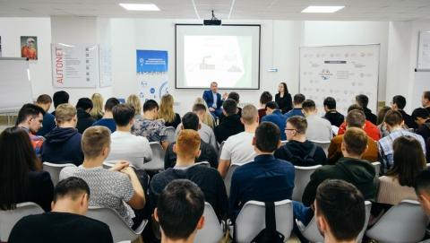 Директор Саратовского филиала «Т Плюс» провел «Диалог на равных» со студентами