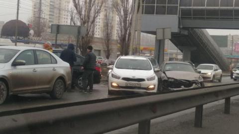 ДТП на Вольском тракте заблокировало выезд из Саратова