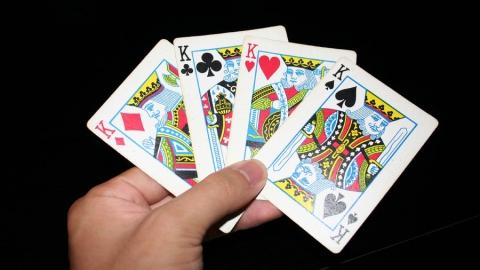 Прокуратура Краснопартизанского района спасла детей от игральных карт