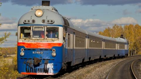 Утром поезд насмерть сбил девушку в Саратове