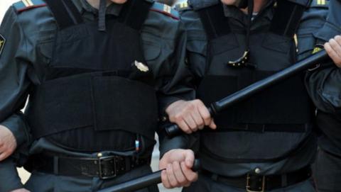 Полицейского будут судить из-за упавшего дебошира