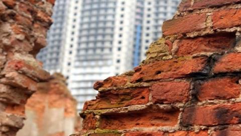 Для жителей аварийных домов подбирают новое жилье