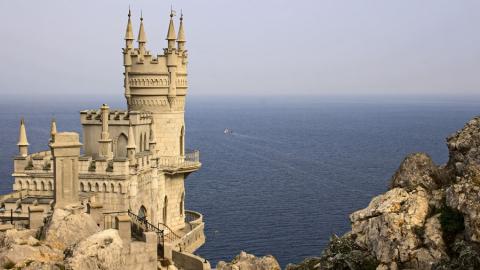 Крымская мошенница год переводила 150 тысяч с карты балаковца