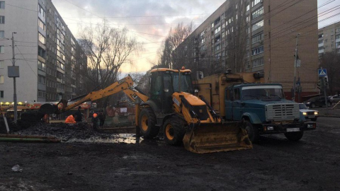 Водопровод в Заводском чинят усиленными темпами
