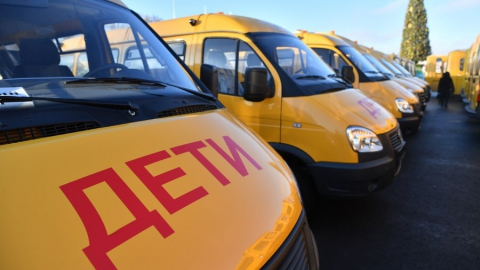 Новые школьные автобусы приехали в Саратовскую область
