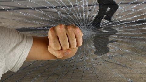 Балашовец обвинил младшего товарища в избиении и выносе набора для кино и еды