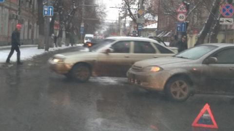 ДТП в Волжском: движение в сторону моста парализовано