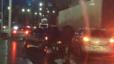 ДТП парализовало движение в Ленинском районе
