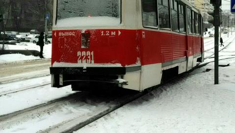 Трамвай сошел с рельсов в Ленинском