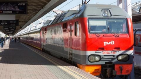 Поезд сбил парня на Зуборезной