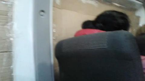 Маршрутка с картонками вместо стекол ездит по Саратову. ВИДЕО