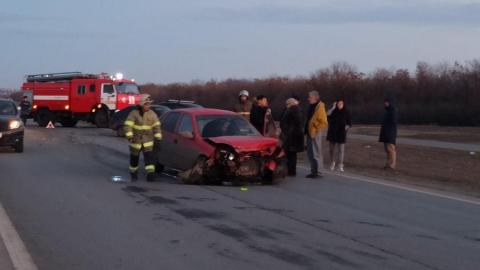 Пьяный водитель разбил две машины и чуть не сгорел