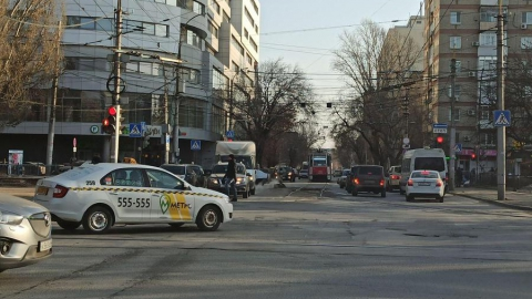 В центре Саратова встали трамваи