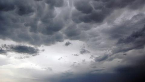 Саратов накроют тяжелые облака