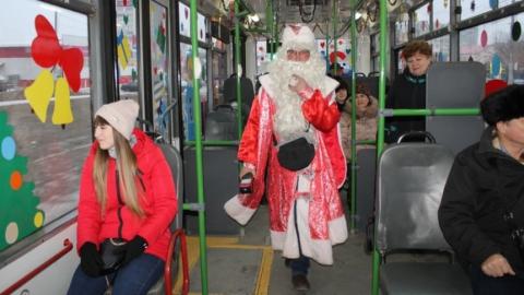 Новогодние троллейбусы пошли по Энгельсу