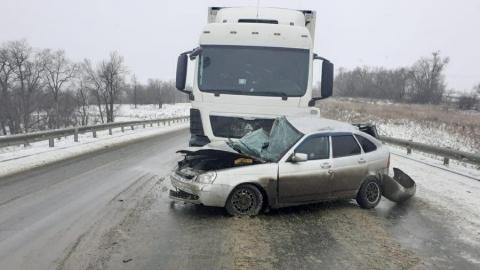 В аварии с грузовиком погибли двое мужчин
