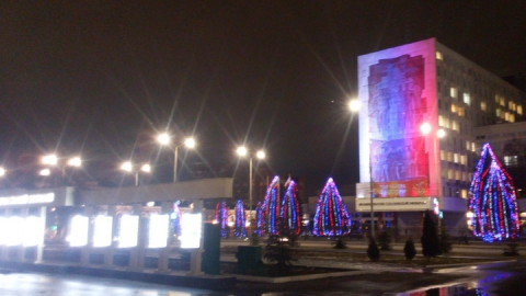 В Новогоднюю ночь вокруг Театральной площади ограничат движение